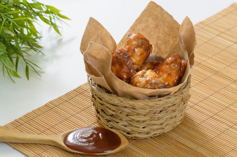 ALLETE DI POLLO ALLA MEDITERRANEA_CARNES Muerde la Pasta