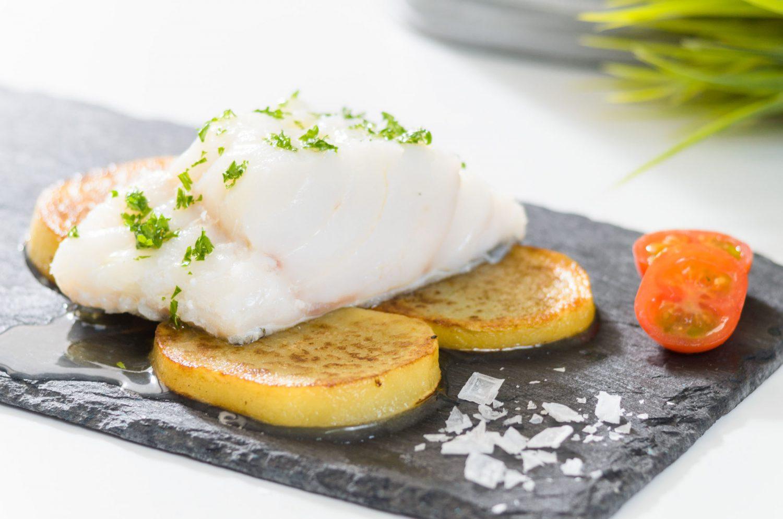 BACCALA AL FORNO CON PATATE_PESCADOS Muerde la Pasta