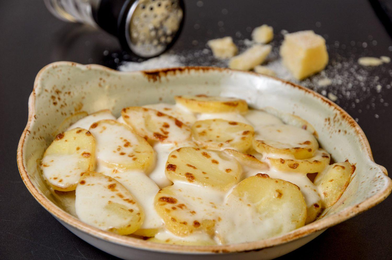 GNOCCHI ALLA CARBONARA_GUARNICIONES Muerde la Pasta